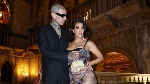 Кортні Кардашян і Тревіс Баркер готуються до весілля: 10 найкращих образів закоханої пари